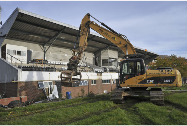 10 Old and Defunct Football Stadiums